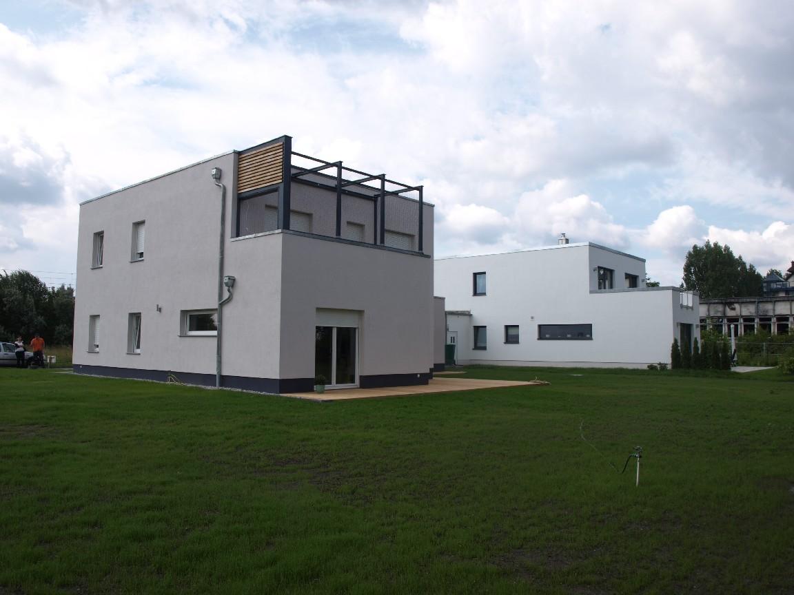 Haus V.  und Haus W.